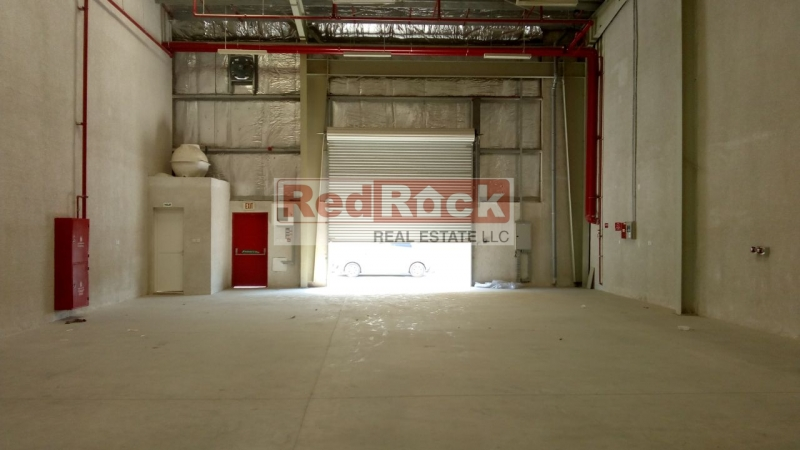 With Huge Parking Area 2712 Sqft Warehouse in DIP
