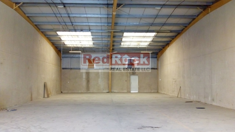 Clean Tax Free 3500 Sqft Warehouse in Jebel Ali for Aed 90K/Yr