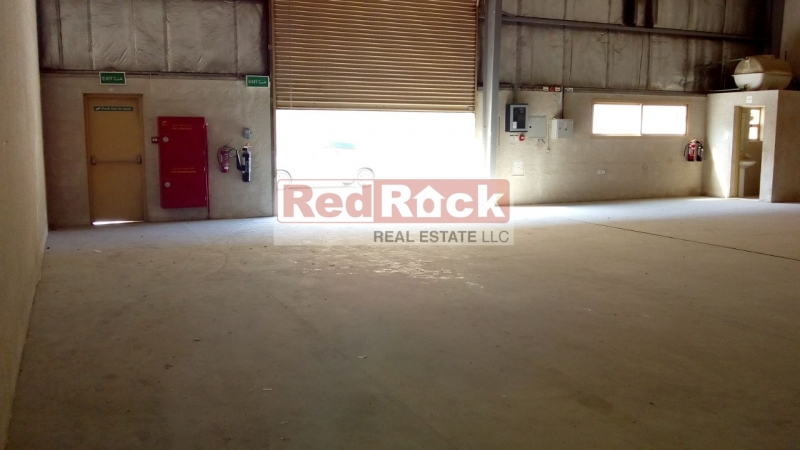For Storage 2353 Sqft Clean Warehouse in Jebel Ali