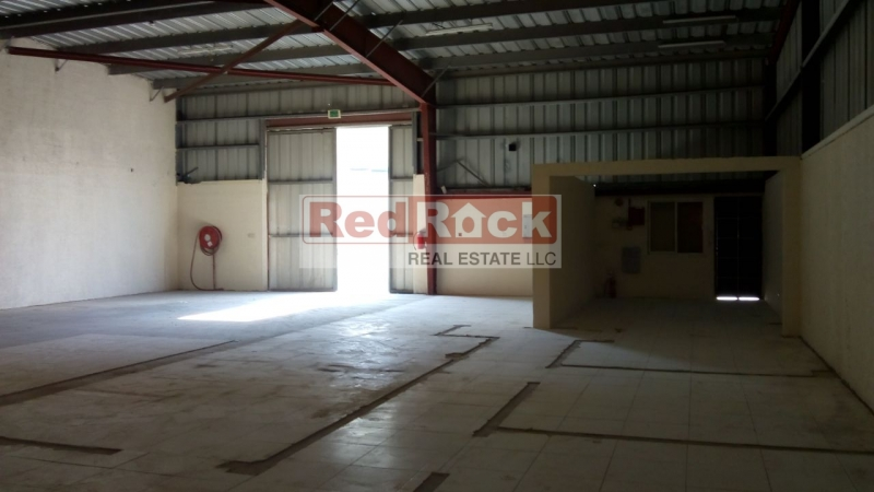 Ideal for Distributors 6,000 Sqft Clean Warehouse in Al Quoz