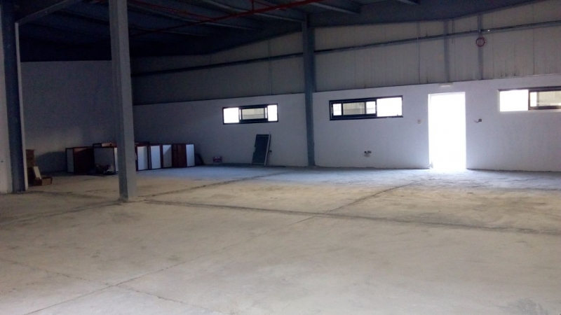 Attractive Front Facing Ideal for Supermarket 4815 Sqft Warehouse in Al Quoz