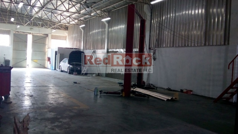 Ideal for Garage 8000 Sqft Commercial Warehouse in Al Quoz