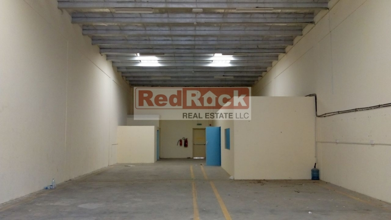 Perfect Layout 2700 Sqft Warehouse in DIP with 2 Offices