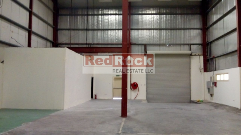 Pillar Less Layout 3461 Sqft Warehouse in DIP with Office