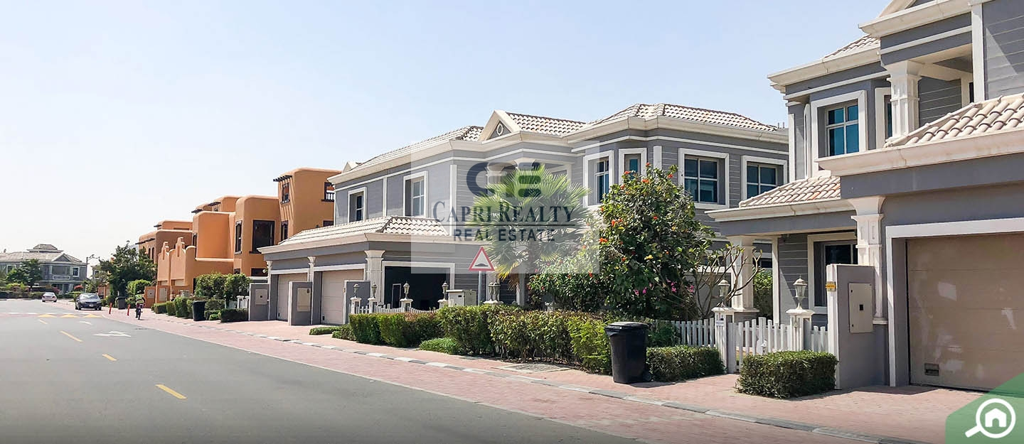 Independent villa with rooftop and payment plan