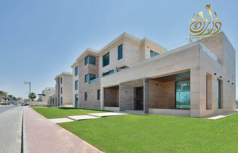 A large land for building a 5 bedroom luxurious villa  With a maid's room and a driver  Use 50%of the roof  15% discount