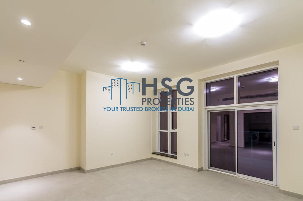 WELL MAINTAINED 2 BHK | EQUIPPED KITCHEN | BEST DEAL