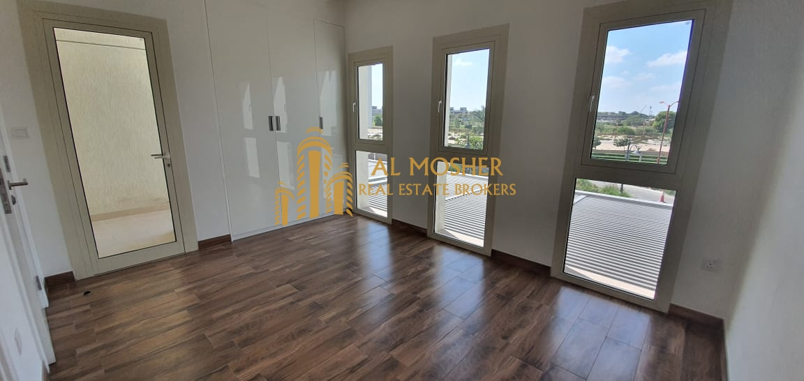 Huge 2 BR + Maidroom Villa in Jumeirah Golf Estate