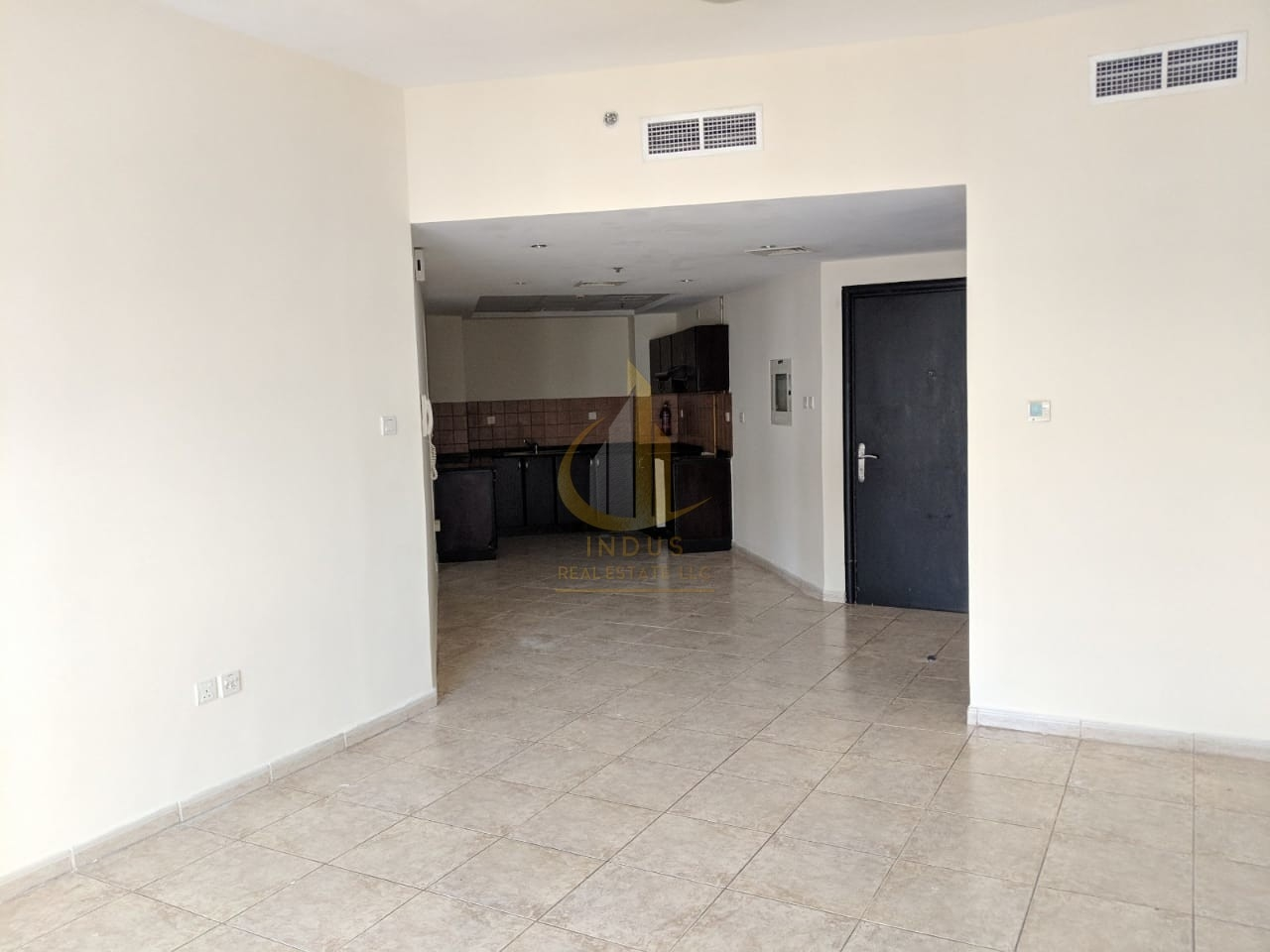 Unfurnished 2 BHK | Ready to move in | Good Price Main image