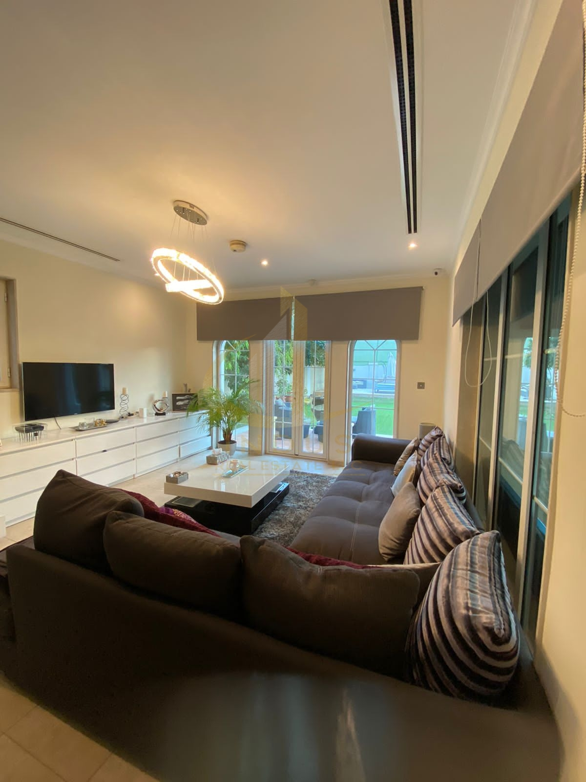 Well Maintained | Spacious 3 Bedrooms Big Plot | Legacy Small Main image