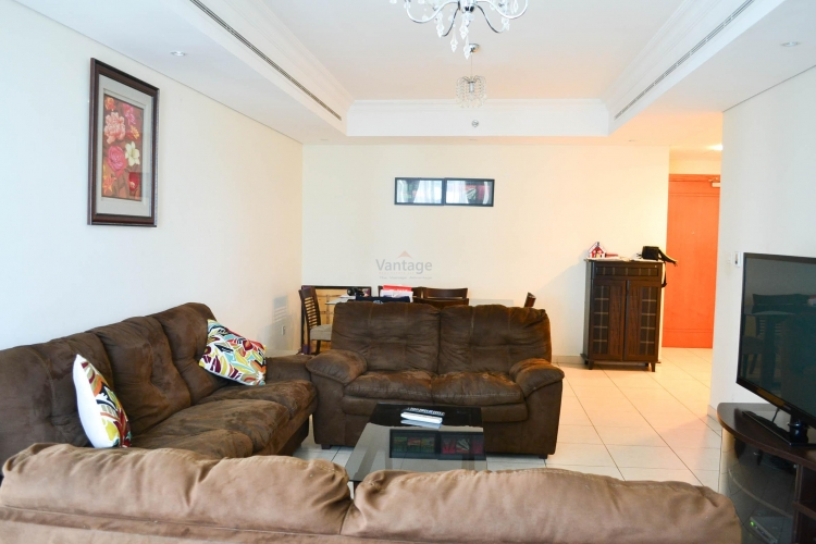 vacant-spacious-2-bhk-with-maids-marina-view