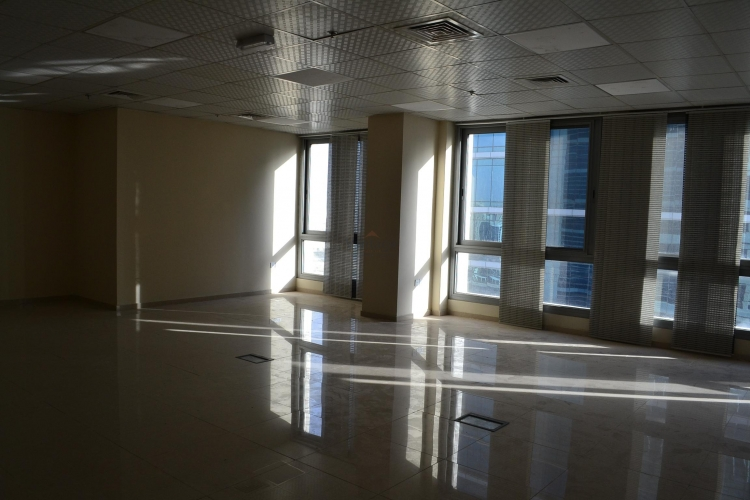 fitted-mid-floor-canal-view-vacant