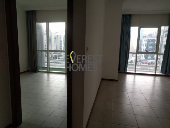 1 bed room appartment with balcony near to metro 800sqft just43k