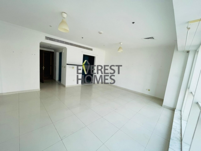 SPACIOUS HUGE 1 BEDROOM FRONT OF THE METRO STATION