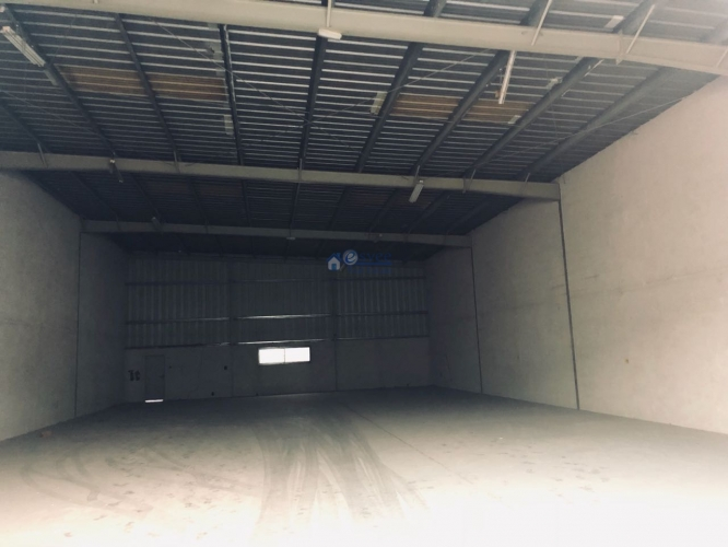 commercial-warehouse-for-rent-in-al-qouze-industrial-area