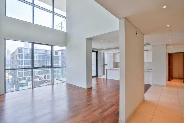 gorgeous-duplex-4br-in-the-heart-of-city-walk