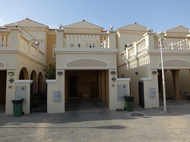 a-well-presented-2-br-townhouse-in-district-9