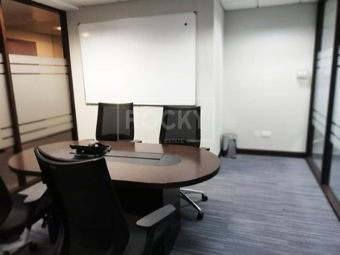 Half floor||Fitted and Furnished|8 Parkings|High floor
