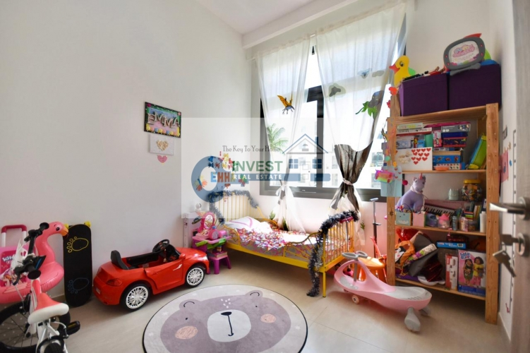 FANTASTIC LOCATION   HIGH CEILINGS   2 BEDROOM APARTMENT FOR SALE   CALL NOW