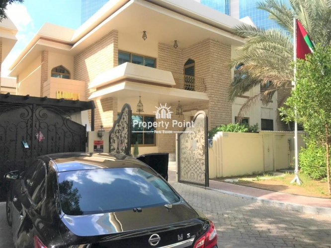 Move In Now. Spacious And Very Nice 4 Bedroom Villa w/ Maids Room And C.Parking in Khalidiya Area